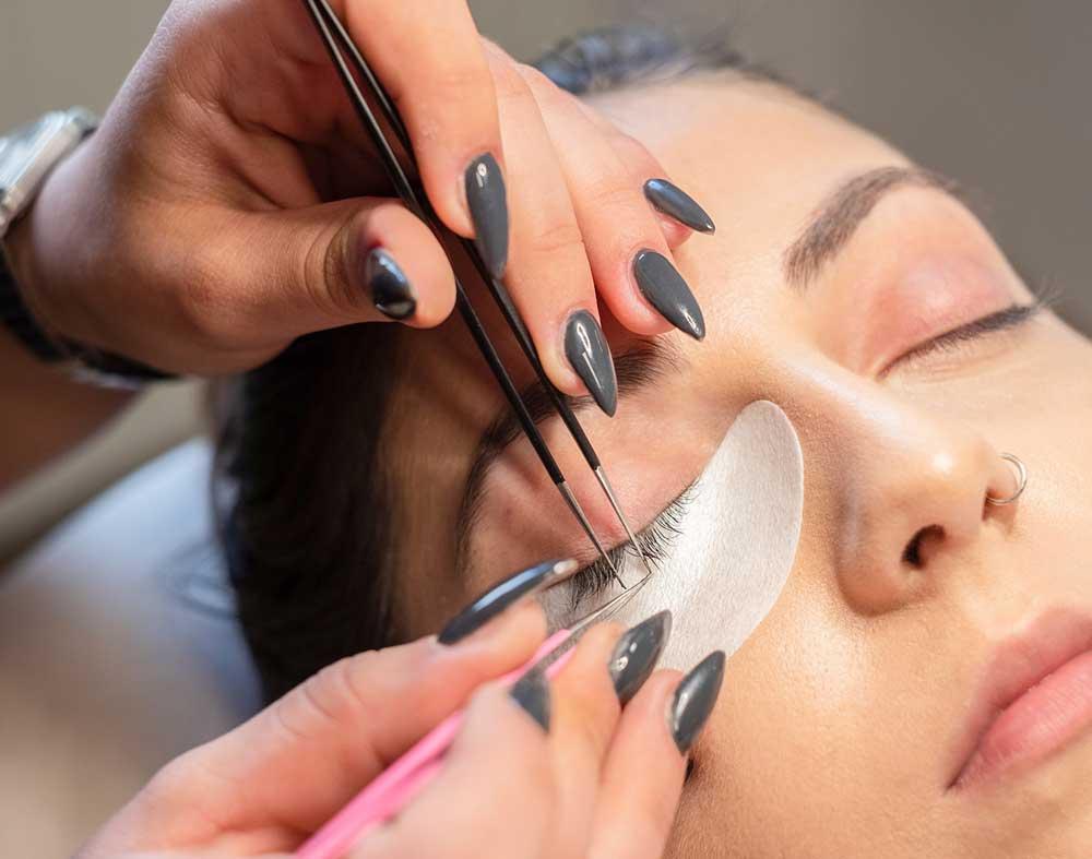 Wimpernverlaengerung Kosmetik und Beauty Münche